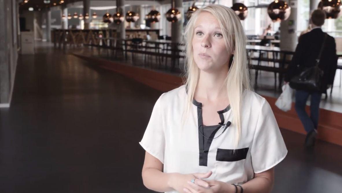 Studerende fra Katastrofe- og risikomanager interviewes på Campus Sigurdsgade